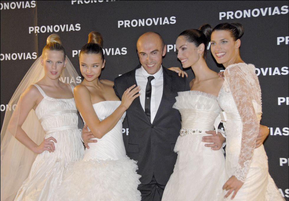 fallece el diseñador de trajes de novia manuel mota | cataluña | el paÍs
