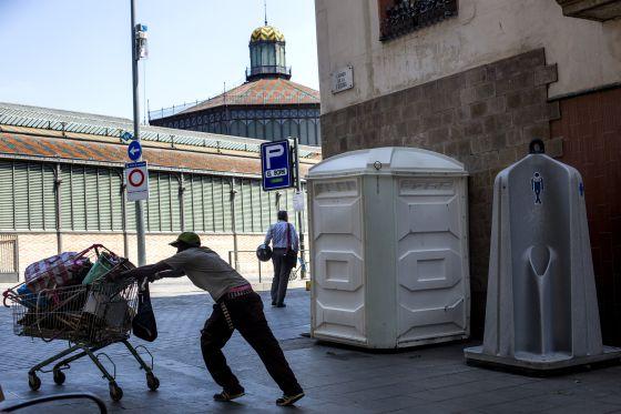 Barcelona Tendra Una Red De 100 Lavabos Publicos Abiertos 24 Horas Cataluna El Pais