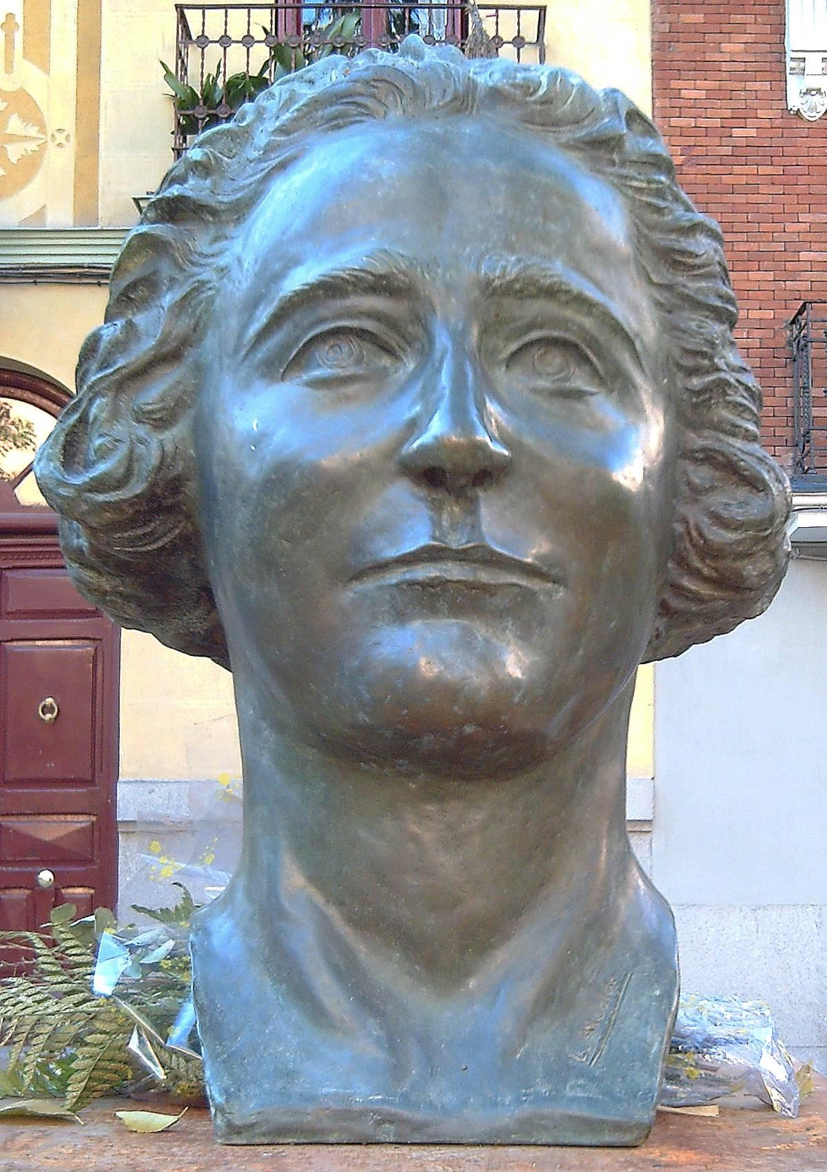 15724f90d Robado el busto de Clara Campoamor en Malasaña