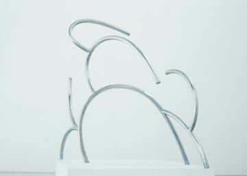 Una exposición relaciona la obra del arquitecto Álvaro Siza y el escultor Andreu Alfaro