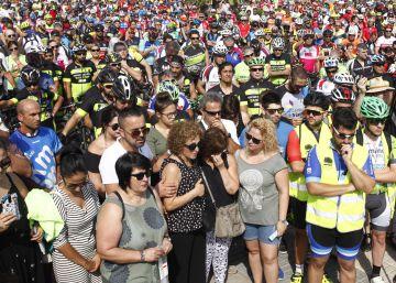 Los ciclistas exigen penas más duras en el homenaje a los dos atropellados en Tarragona