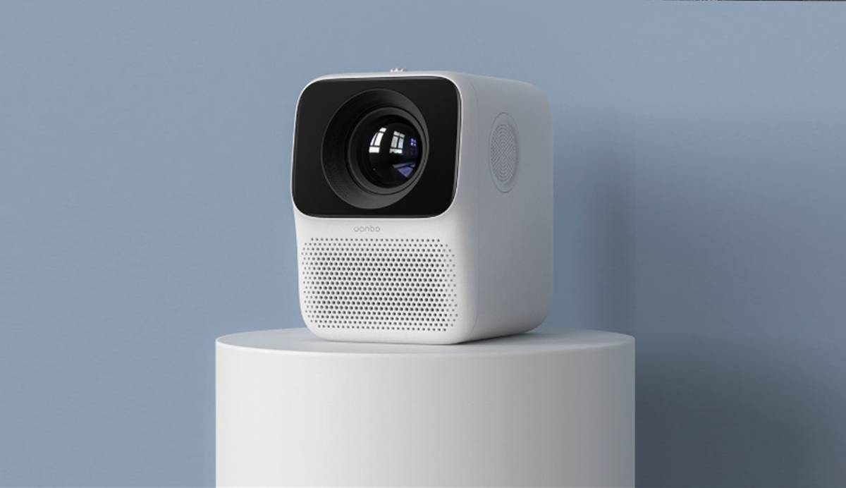 Xiaomi lanza un proyector compacto y portátil que no te costará ni 100 euros
