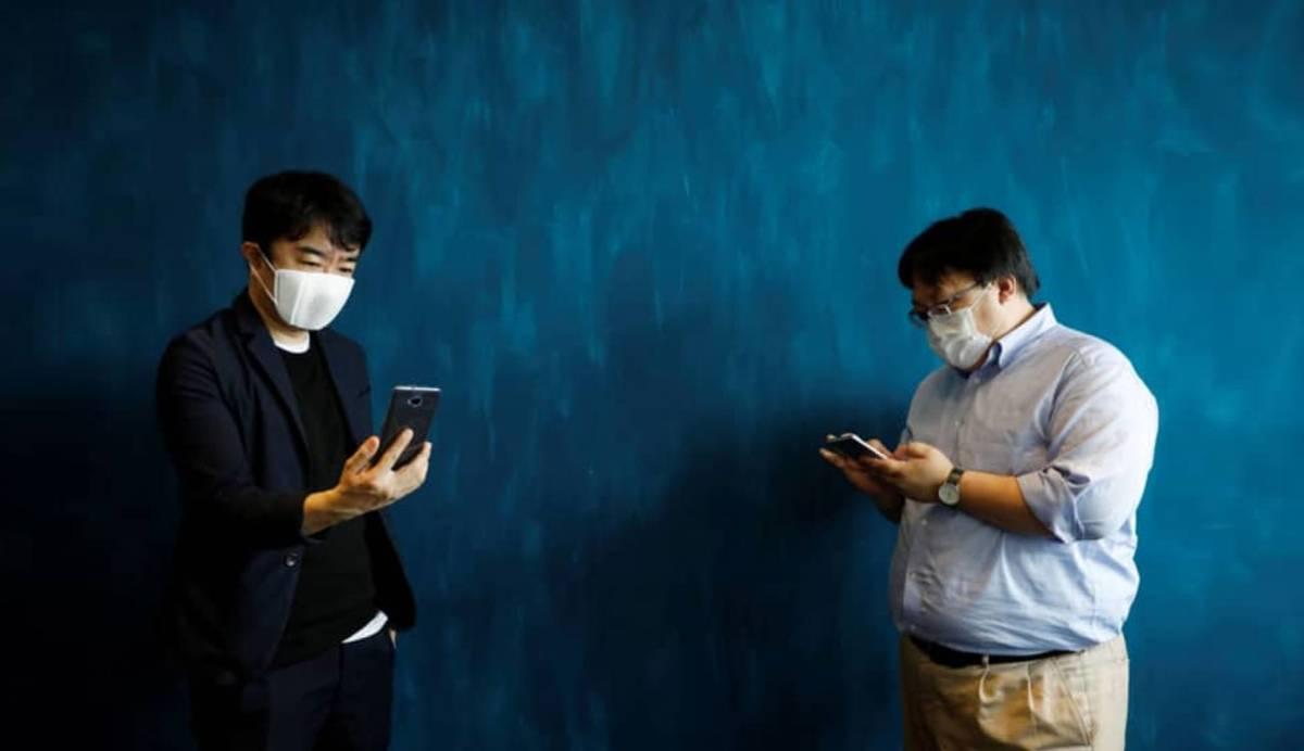 C-Mask, la mascarilla inteligente que traduce hasta en ocho idiomas