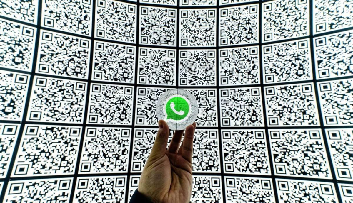 ¿Sabes cómo importar un contacto en WhatsApp desde la galería de fotos?