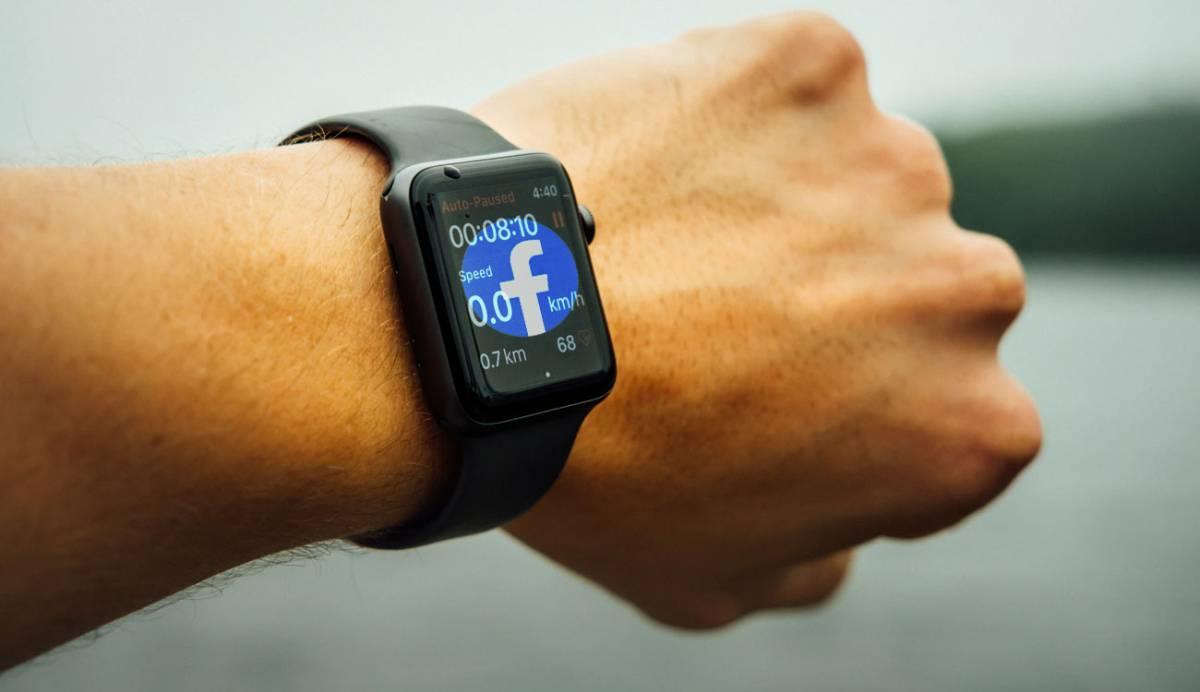 Facebook trabaja para lanzar su propio 'smartwatch' pronto, ¿sabes cuándo?