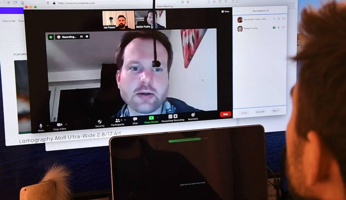 Center Cam, la 'webcam' perfecta para mirar a los ojos en todas las videoconferencias