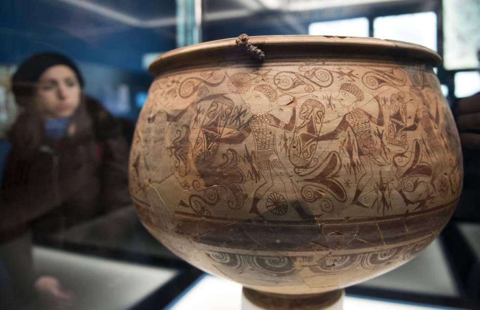 Vaso de los Guerreros, datado entre los siglos III y II antes de Cristo, obra cumbre del arte ibérico. JOSÉ JORDÁN