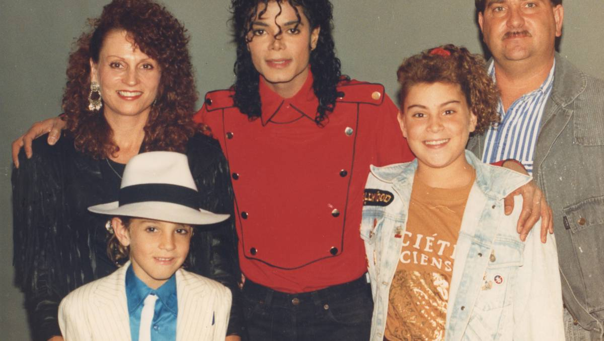 """""""Por que deixaram Michael Jackson dormir com crianças?"""""""