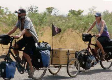 África en bicicleta y con cine