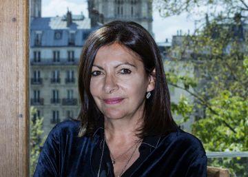 """Anne Hidalgo: """"La fuerza de la catedral de Notre Dame va más allá de lo religioso"""""""