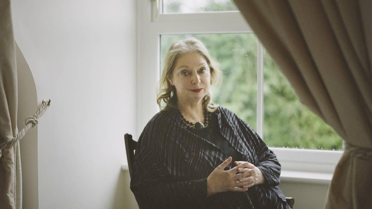 """Hilary Mantel: """"Me interesa menos la realeza que quienes nacen en la sombra"""""""
