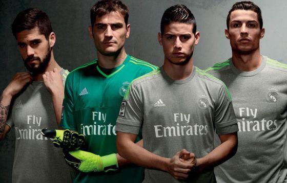 El Madrid presenta su nueva camiseta con Casillas al frente ... 0f85792122e54