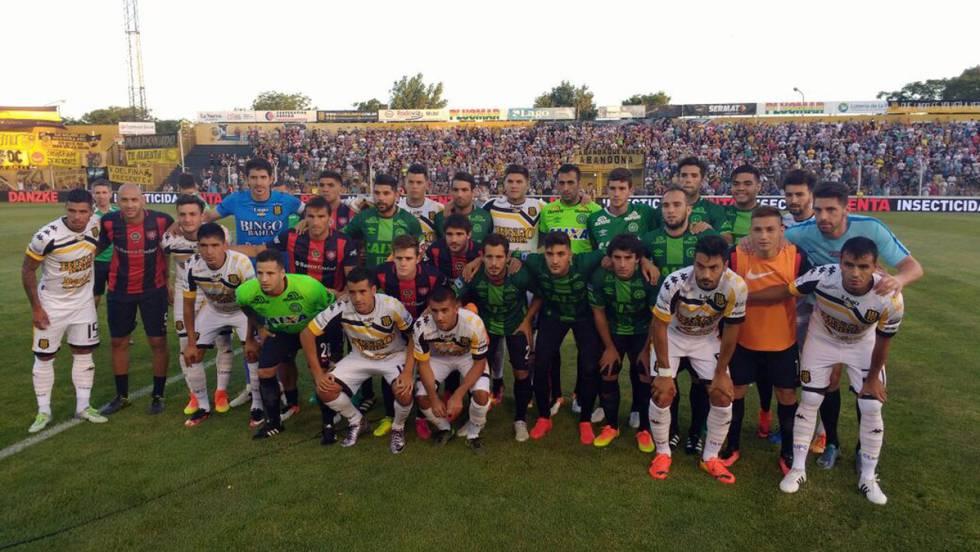 El fútbol argentino viste el escudo del Chapecoense  f0e0fba17c1a6
