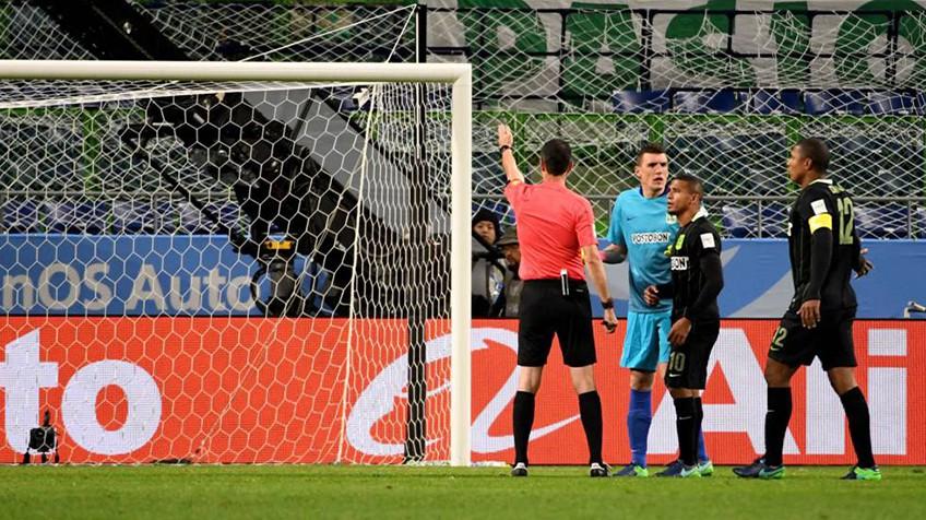 El videoarbitraje se estrena con polémica en el Kashima-Atlético Nacional fcaa1f2cb903a