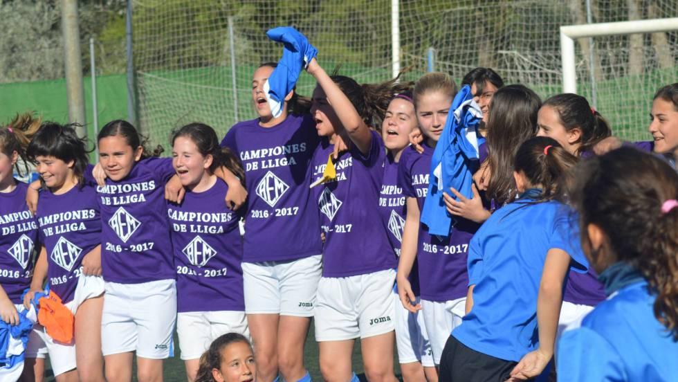 AEM de Lleida: Un equipo infantil formado por chicas gana la Liga de ...