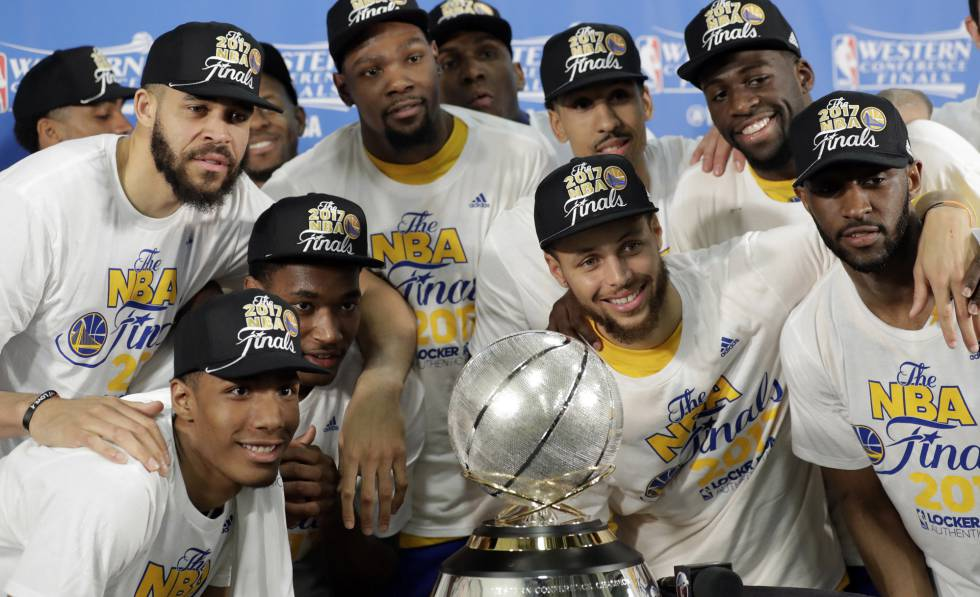 a59e476d54542 Playoffs NBA  Los Warriors fulminan a los Spurs y se plantan en la final  avalados por un 12-0 en los  playoffs