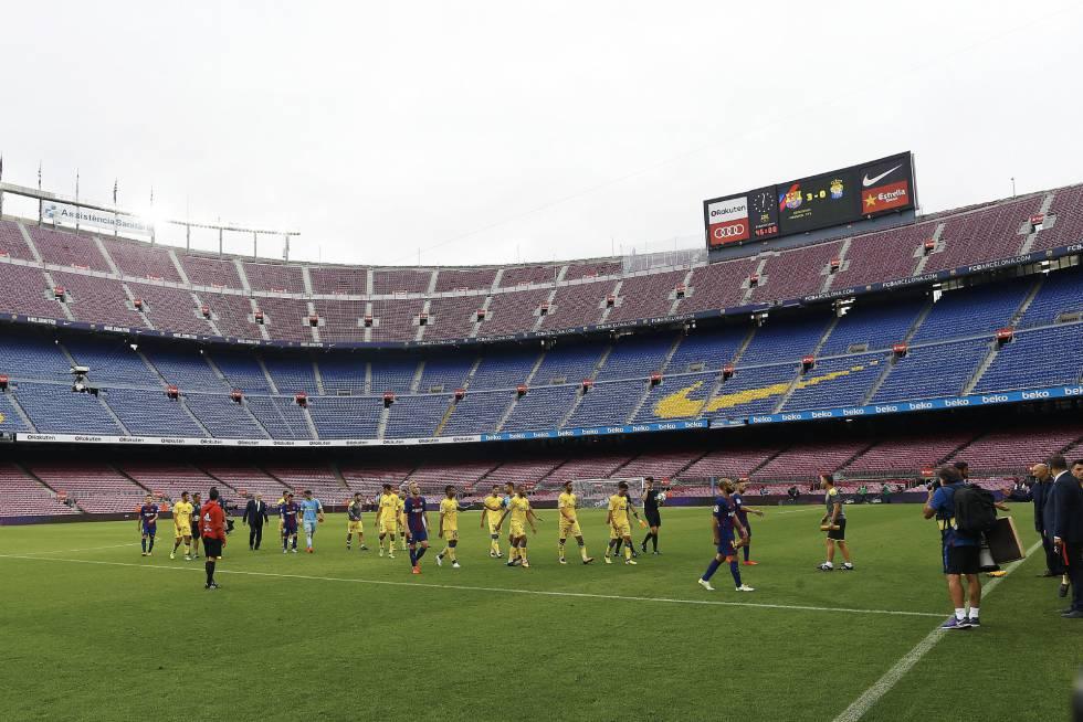 El Barcelona juega sin público en protesta por el cierre de colegios ... d2c517f4ee0