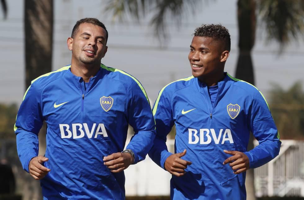 Edwin Cardona y Wilmar Barrios en un entrenamiento de Boca. 7a3468c4461ea