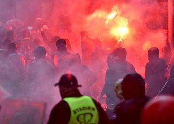 Ultras del Marsella hieren a dos vigilantes de seguridad en San Mamés