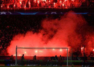 La UEFA cierra un partido parte del estadio del PSG por las bengalas contra el Madrid