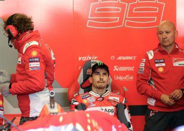 Jorge Lorenzo se aleja de Ducati