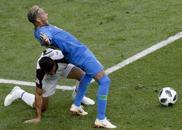 El penalti fingido que el VAR le quitó a Neymar