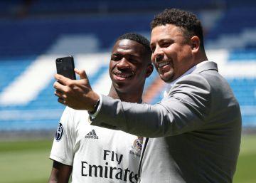 """Vinicius Jr.: """"Me quedo en el Real Madrid"""""""