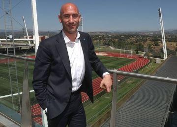 """Luis Rubiales: """"El líder indiscutible de un vestuario debe ser el entrenador"""""""