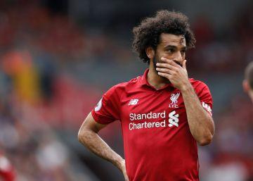 El Liverpool denuncia a su estrella Salah por conducir con el móvil