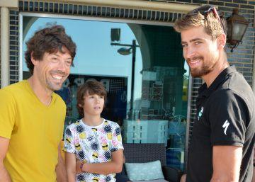 Freire, Sagan y Marcos, seis arcoíris y un niño