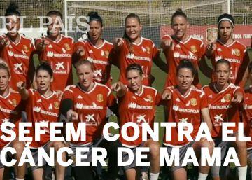 Las jugadoras de la Selección Española de fútbol y fútbol sala se movilizan en la lucha contra el cáncer de mama