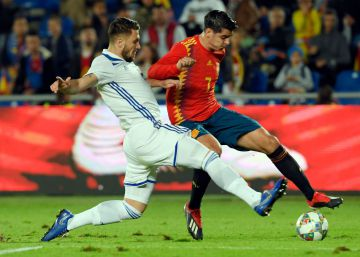 Una renovada España bate a Bosnia (1-0)