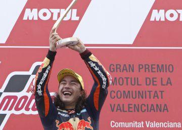Can Öncü gana la carrera de Moto3 con solo 15 años y el día de su debut