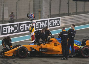 Fernando Alonso se despide de la Fórmula 1 en Abu Dabi entre homenajes