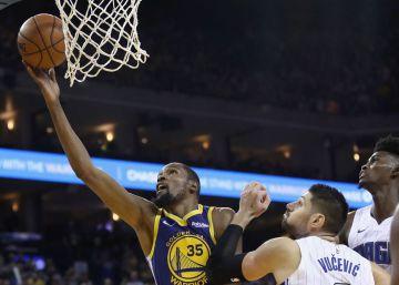 Durant lanza a los Warriors con 49 puntos y los 54 de Harden no bastan a Houston
