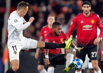 El Valencia se impone el Manchester United por 2-1