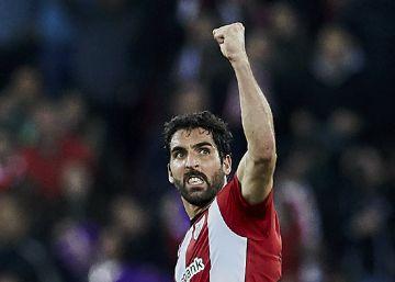 El Atlético se deja en San Mamés gran parte de sus opciones de pelear por LaLiga (2-0)