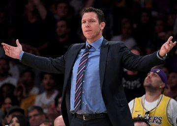 Después del adiós de Magic Johnson, los Lakers despiden a Luke Walton