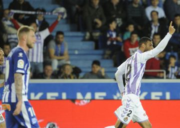El Valladolid sortea la adversidad y empata en Vitoria