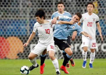 Japón sorprende a Uruguay