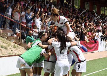El Real Madrid se sube a la gran ola del fútbol femenino