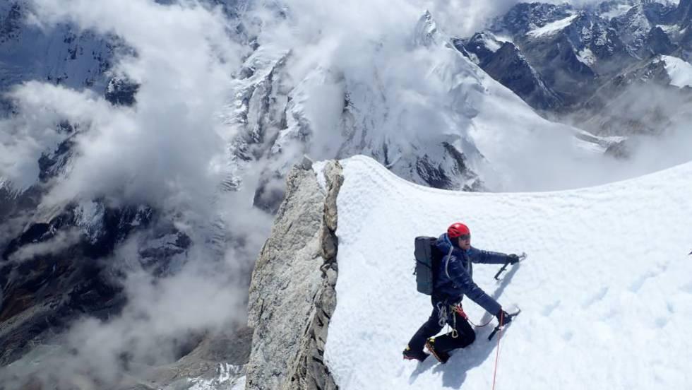 El alpinismo auténtico frente a la montaña de consumo | Deportes | EL PAÍS