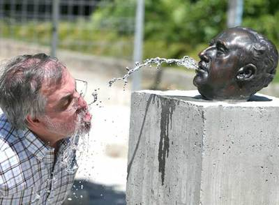 Resultat d'imatges de escultura franco