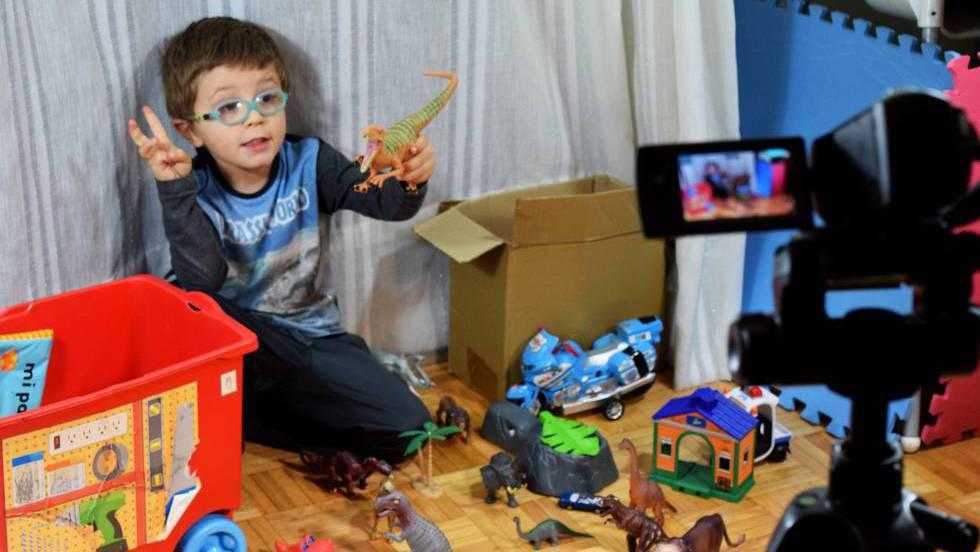 87f556bd1 YouTube  Vídeos de juguetes  ¿por qué a mi hijo le fascinan ...