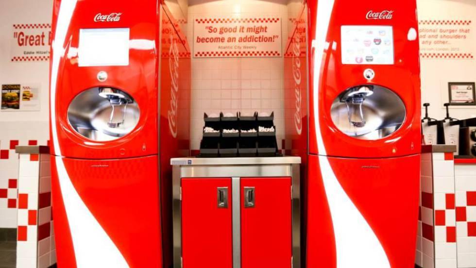 Llega A Espana La Maquina De Coca Cola Que Fabrica 100 Refrescos