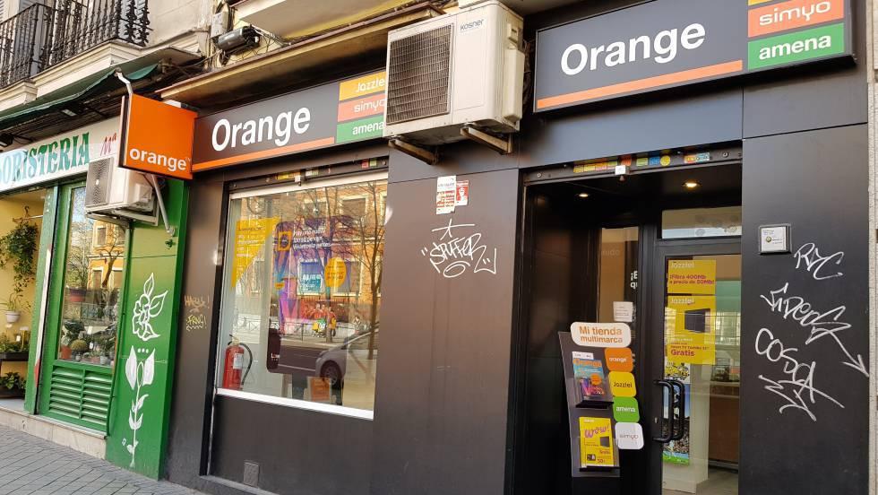 fca58619478 Orange sube sus tarifas móviles hasta 3 euros a cambio de más gigas |  Economía | EL PAÍS