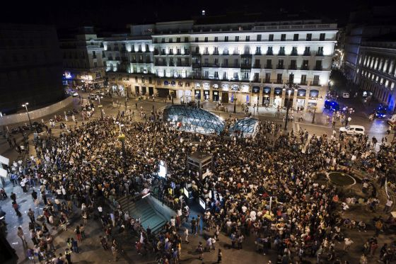 15-M protestors gather in Madrid's Sol square on Sunday night.
