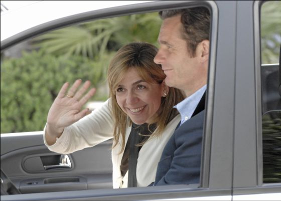 Princess Cristina and Iñaki Urdangarin are to return from three years in the USA.
