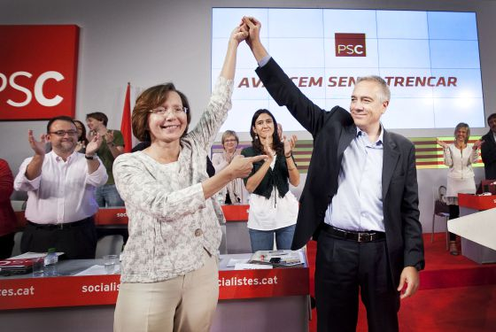 Pere Navarro beat Montserrat Tura (left) with 73% of the votes.