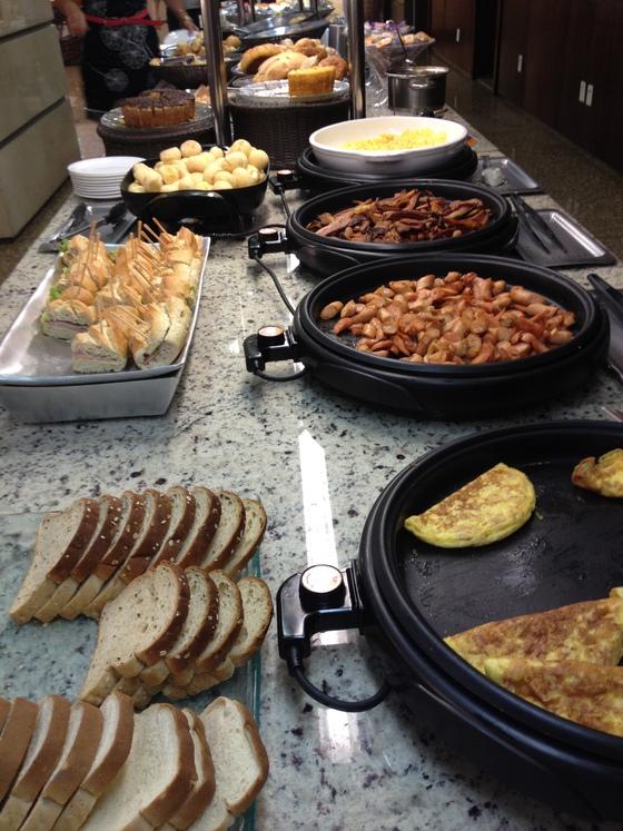 Bufés libres, la frivolidad del desperdicio | Blog Gastronotas de ...